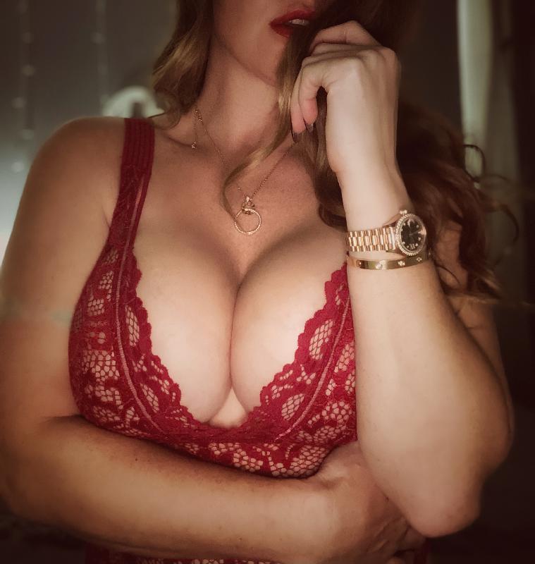 Cameron Sloane nude photos