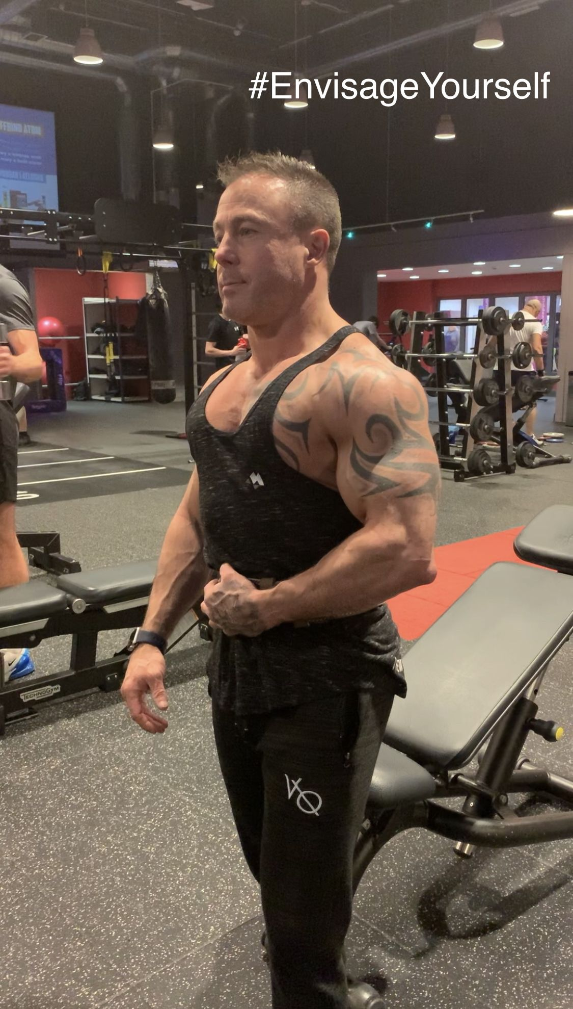 @fitnessmodelneil