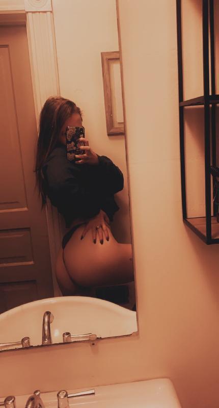 Gigi nude photos
